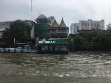 Cruising Chao Phraya River